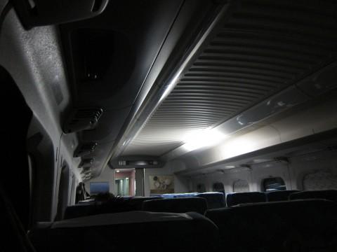 余震で停電した新幹線